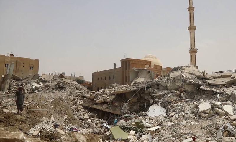 تعبيرية: آثار الدمار جراء قصف التحالف الدولي على أحياء مدينة الرقة- 27 أيار 2017 - (صوت وصورة)