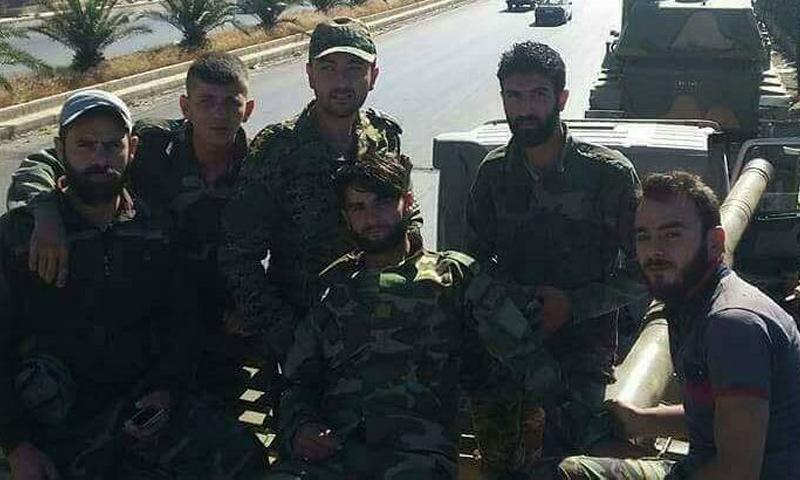 عناصر من الفرقة الرابعة ضمن الحشود العسكرية الواصلة إلى مدينة درعا - 31 أيار 2017 - (فيس بوك)