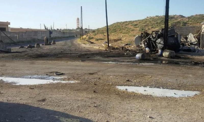 آثار قصف الطائرات الروسية على ناحية عقيربات شرق حماة - آذار 2017 - (انترنت)