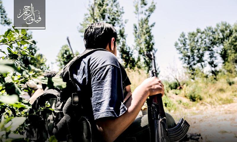 مقاتل من فصيل فيلق الرحمن على جبهات حي جوبر الدمشقي - (فيلق الرحمن)