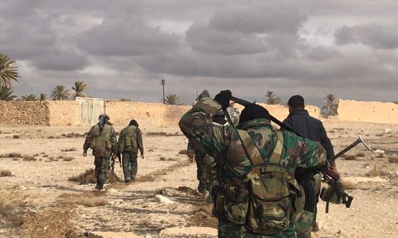 عناصر من قوات الأسد في مدينة تدمر بريف حمص الشرقي - (سبوتنيك)
