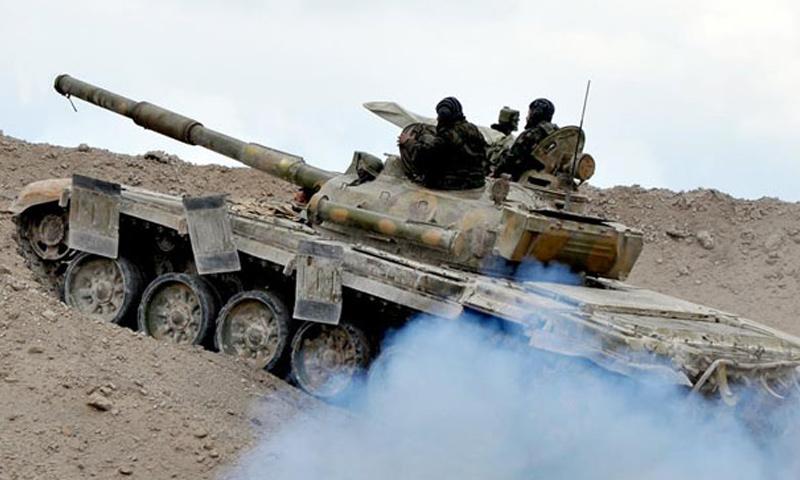 دبابة تابعة لقوات الأسد في ريف حماة الشمالي - (انترنت)