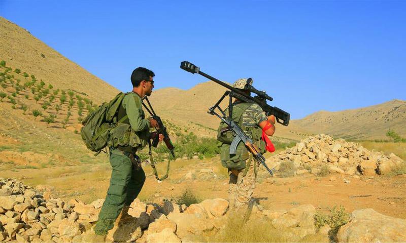 عناصر من حزب الله اللبناني في جروود عرسال في القلمون الغربي - (الإعلام الحربي)