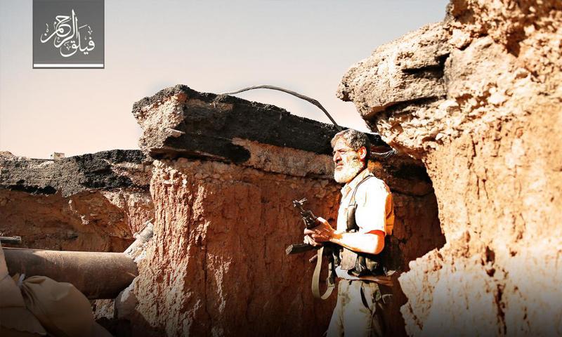 مقاتل من فصيل فيلق الرحمن على الجبهات العسكرية في بلدة عين ترما بريف مشق - (فيلق الرحمن)