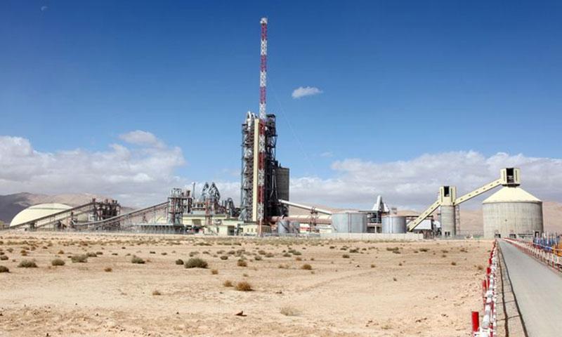 مصنع في البادية تابع لشركة اسمنت البادية السورية (albadiacement)