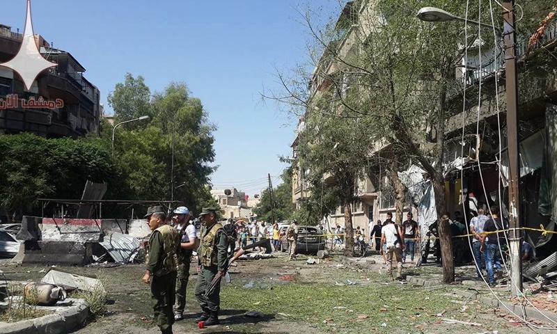 آثار انفجار السيار المفخخة التي استهدفت منطقة العمارة في دمشق - 2 تموز 2017 - (دمشق الآن)