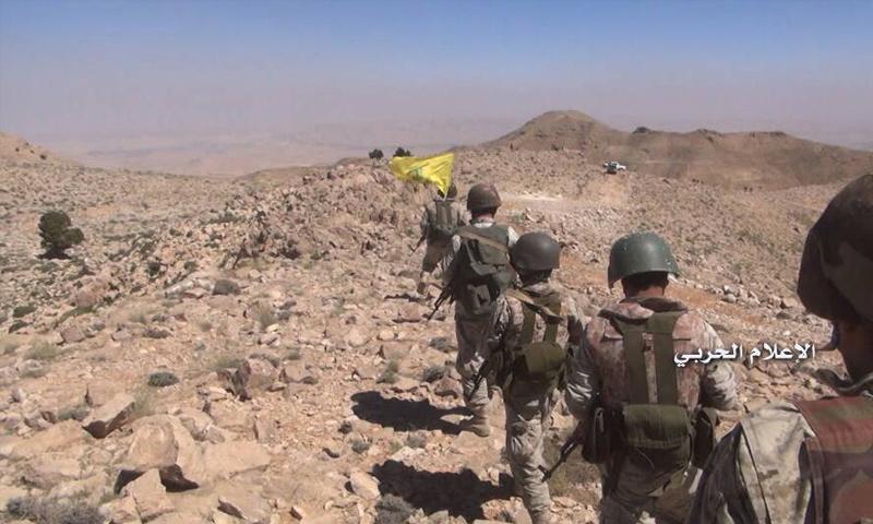 عناصر من حزب الله اللبناني خلال العمليات العسكرية ضد فصائل المعارضة في جرود عرسال - 23 تموز 2017 - (الإعلام الحربي)