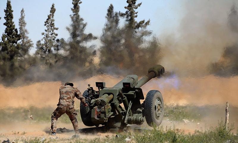 قوات الأسد تقصف مواقع تنظيم الدولة الإسلامية في ريف مدينة حمص - (سبوتنيك)