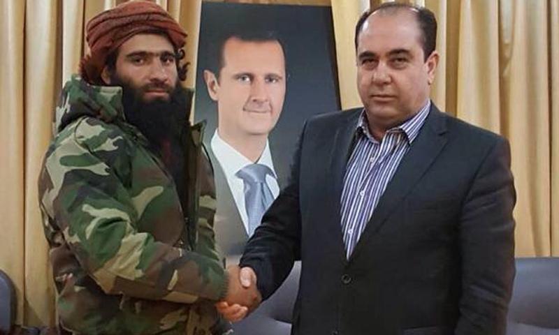 رئيس فرع الأمن العسكري وفيق الناصر (يمين) القيادي أبو صدام (يسار) - (فيس بوك)