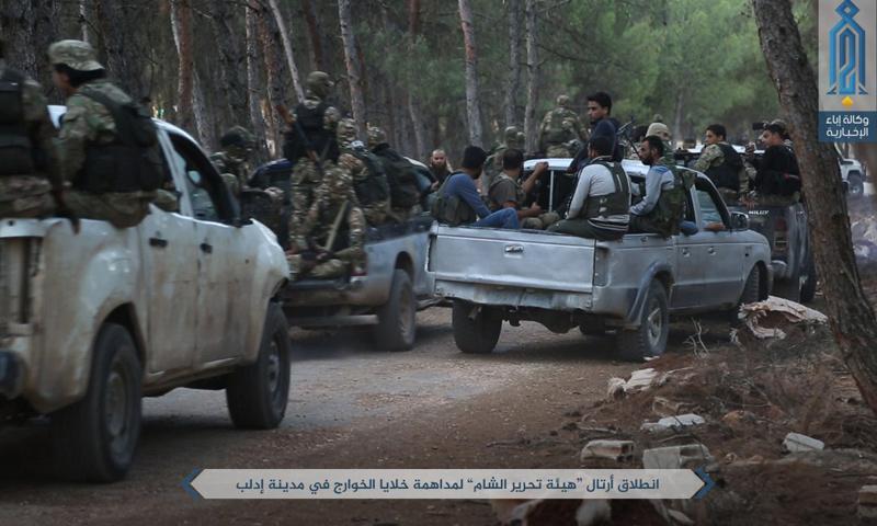 """تعبيرية: عناصر """"هيئة تحرير الشام"""" يبدأون حملتهم في إدلب - 9 تموز 2017 (وكالة إباء)"""
