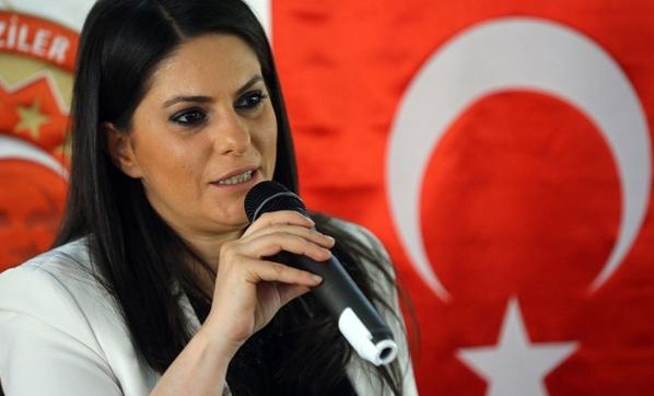 وزيرة العمل والتأمين الاجتماعي التركية، جوليده صاري أوغلو- 19 تموز 2017 (وطن غازيته سي)