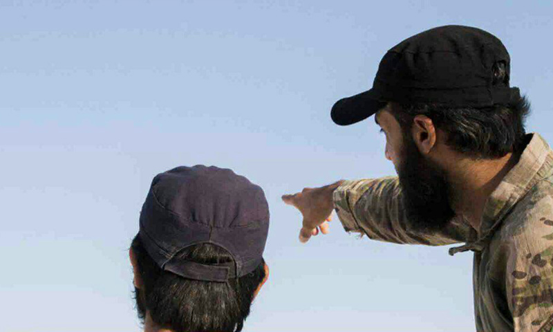 عناصر من حركة أحرار الشام على جبهات قوات سوريا الديموقراطية غرب حلب - (أحرار الشام)