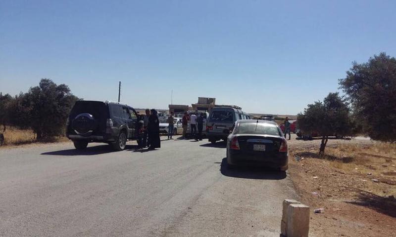 حاجز السجن المركزي على الطريق الواصل بين بلدتي نبل والزهراء ومدينة حلب - (فيس بوك)