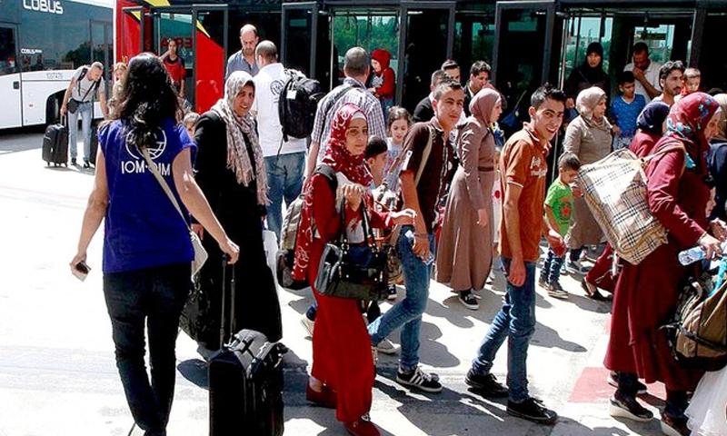 دفعة من اللاجئين السوريين وصلوا إلى العاصمة مدريد - تموز 2017 - (أنسا)
