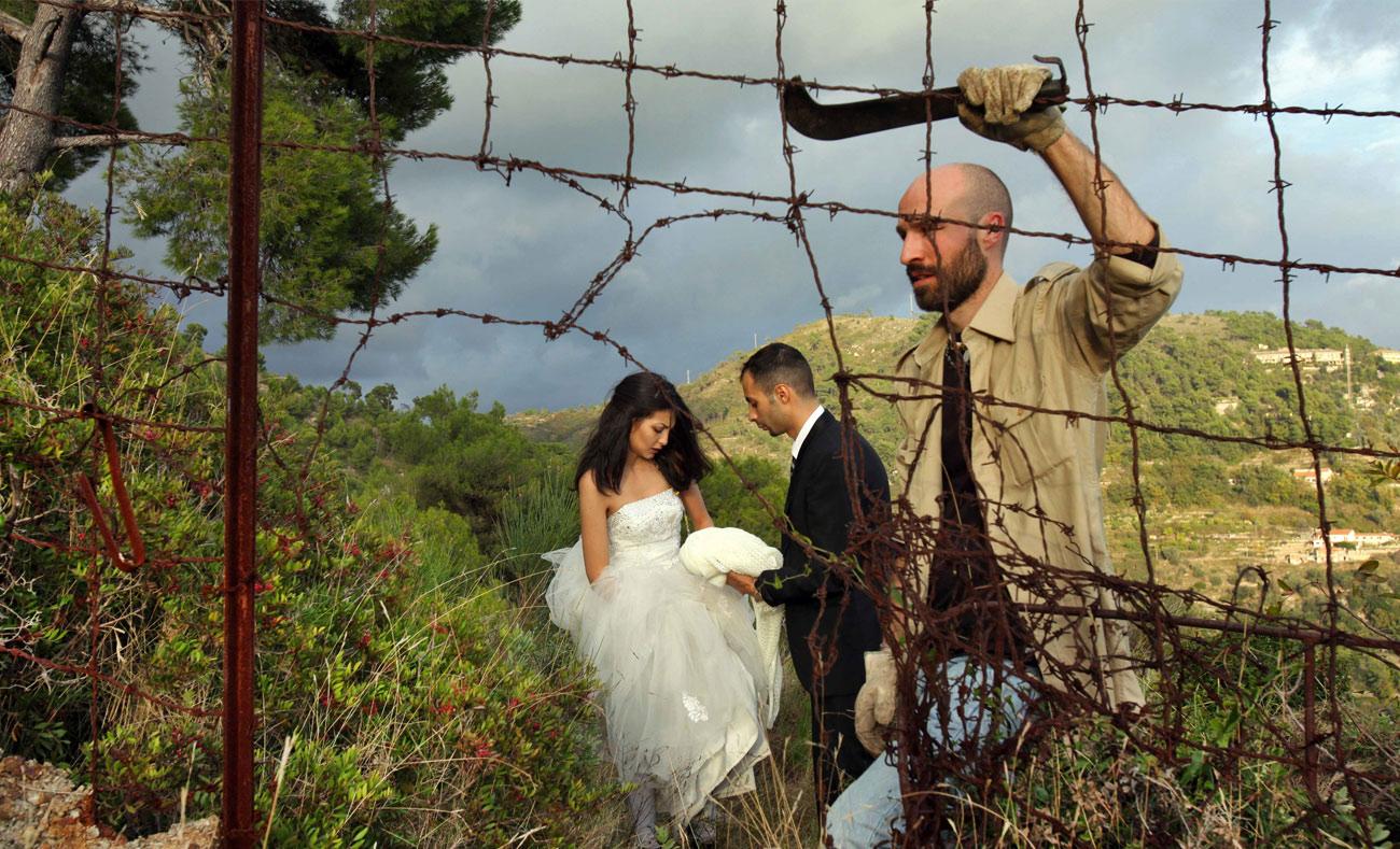 عريسان سوريان خلال رحلة اللجوء من ميلان إلى السويد (وثائقي ON THE BRIDE'S SIDE)