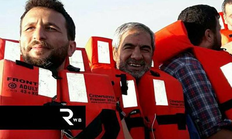 اللاجئين السوريين أثناء وصولهم إلى السواحل اليونانية - 14 آب - (لاجئون بلا حدود)