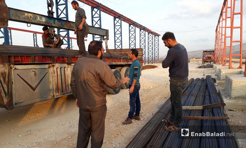 مستودعات شركة الهدى على طريق سرمدا في ريف إدلب - 19تشرين الثاني 2016 (عنب بلدي)