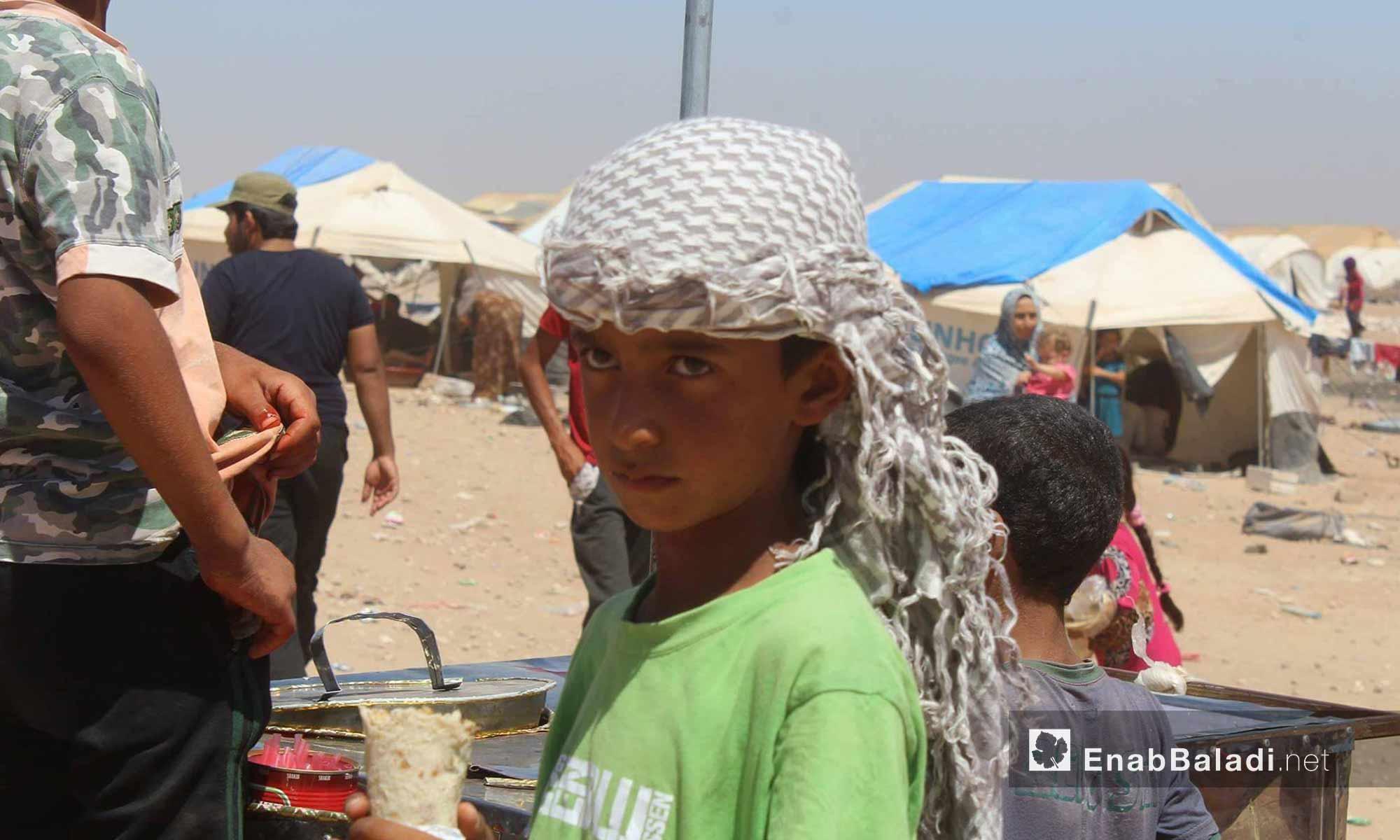 أطفال يسكنون مخيم العريشة شرقي الحسكة - 26 تموز 2017 (عنب بلدي)