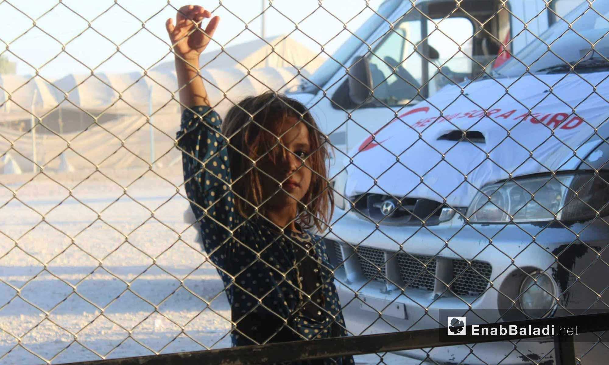 طفلة لاجئة من داخل مخيم الهول شرق الحسكة - 26 تموز 2017 (عنب بلدي)
