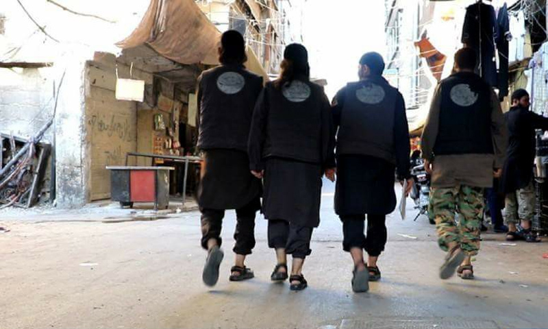 """عناصر من جهاز الحسبة التابع لتنظيم """"الدولة"""" جنوب دمشق (المكتب الإعلامي للتنظيم)"""