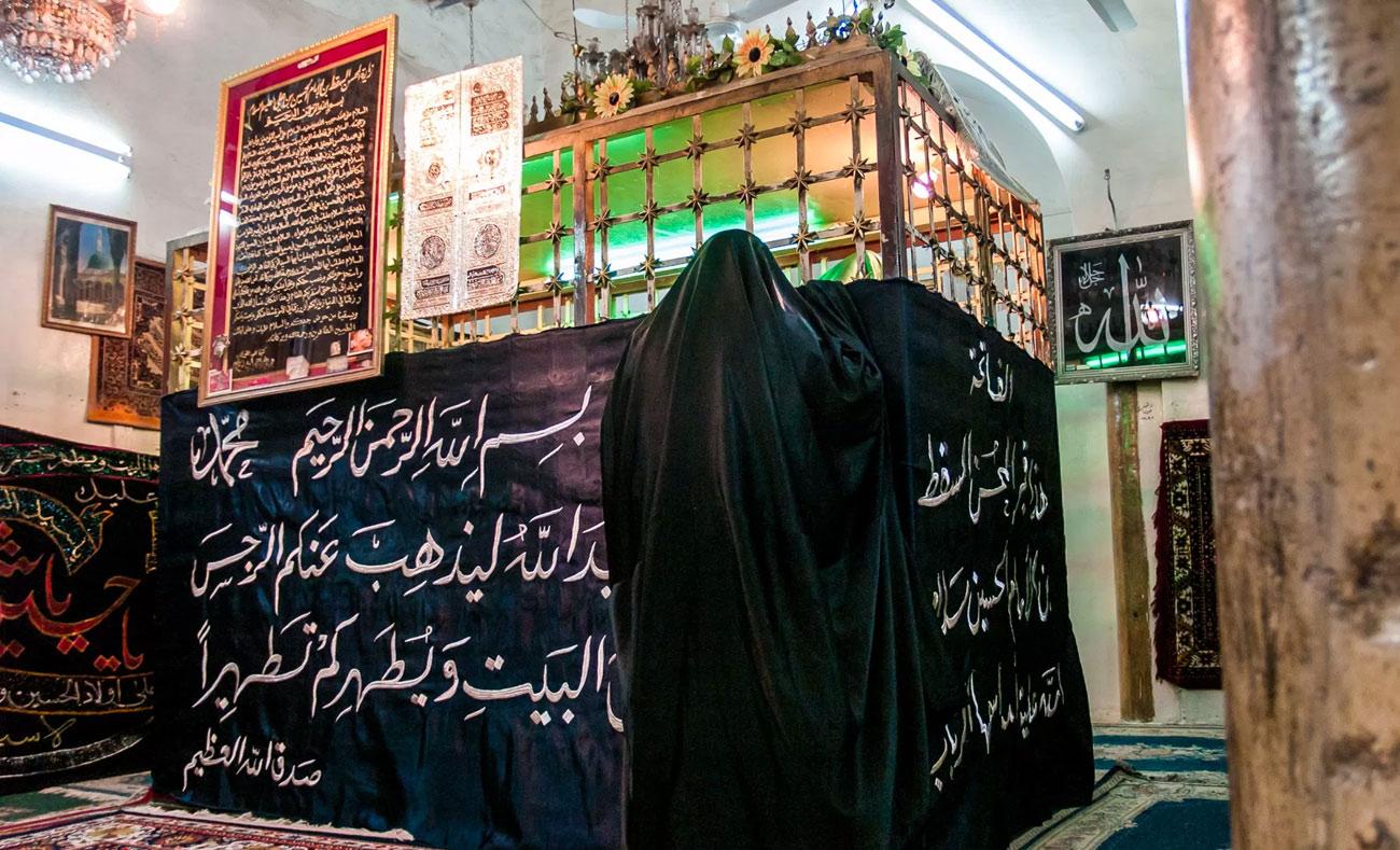 مزار مشهد السقط الشيعي في جبل الجوشن في حلب - 2014 (syriaphotoguide)