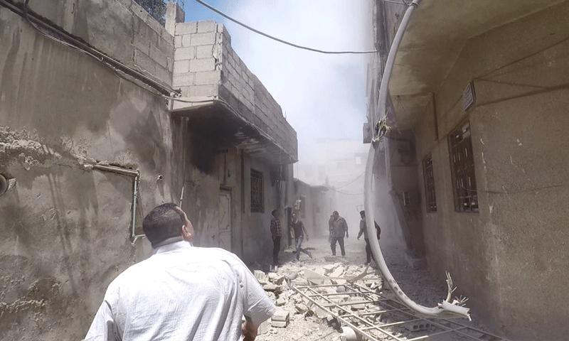 قذائف مدفعية تستهدف حمورية في الغوطة الشرقية - 7 آب 2017 (الدفاع المدني في ريف دمشق )