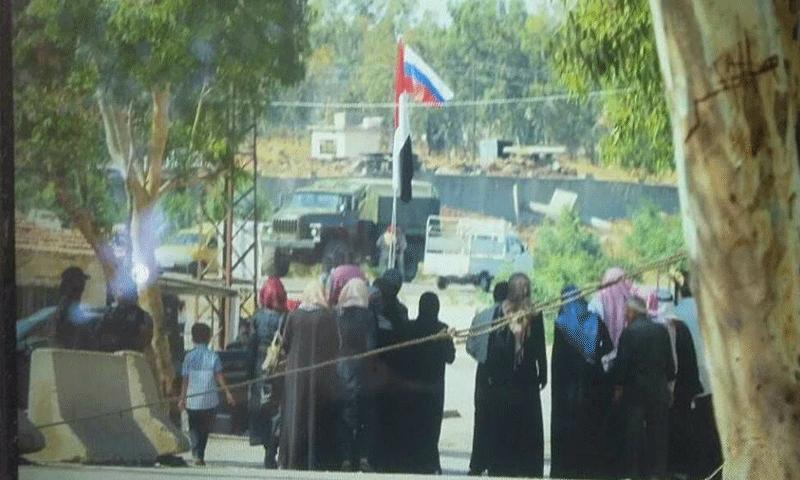 عناصر روس في معبر الدار الكبيرة شمال حمص - 7 آب 2017 (ناشطون)
