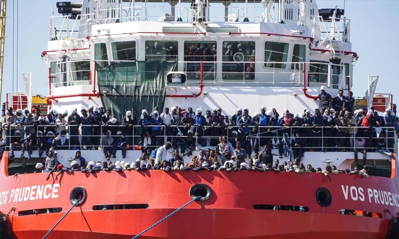 """سفينة """"برودانس"""" لإنقاذ المهاجرين في البحر المتوسط - (انترنت)"""