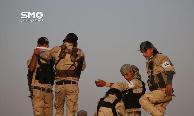 مقاتلون من الجبهة الجنوبية في الجيش الحر في درعا 25 حزيران 2016 (الهيئة السورية للإعلام)