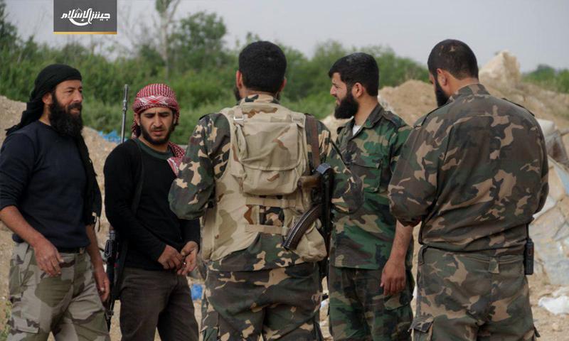 قادة من فصيل جيش الإسلام على الجبهات العسكرية في حوش الضواهرة في الغوطة الشرقية - (جيش الإسلام)
