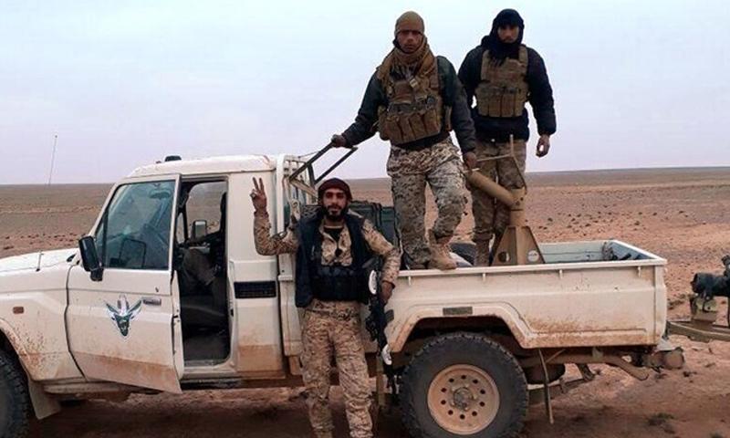 عناصر من جيش مغاوير الثورة في البادية السورية - (انترنت)
