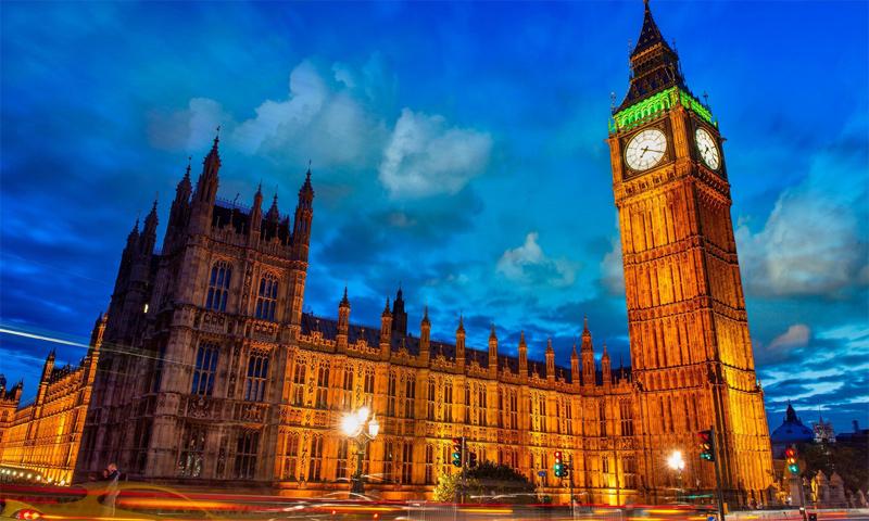 ساعة بيغ بان في لندن - (يوتيوب)