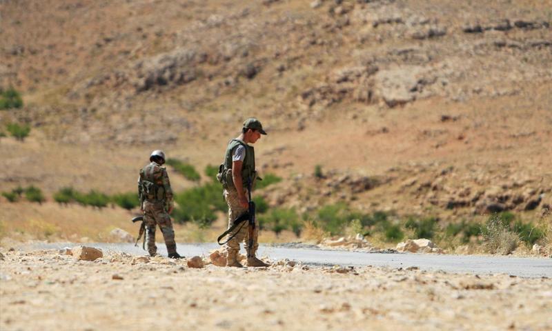 مقاتلو حزب الله في جرود عرسال- 12 آب 2017 (رويترز)