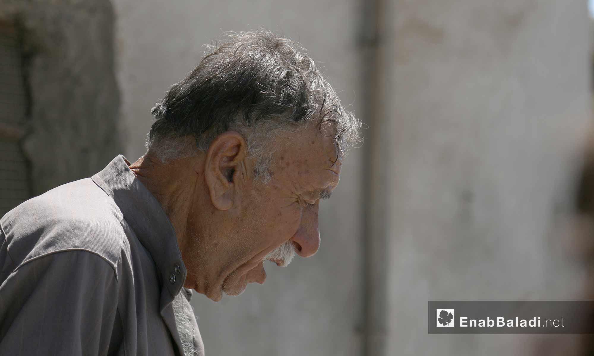مسن من مدينة الأتارب في حلب - 3 أب 2017 (عنب بلدي)