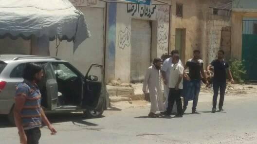 صورة نشرها ناشطون لعبد الناصر الخطيب بعد نجاته من محاولة الاغتيال في درعا - 7 آب 2017 (ناشطون)