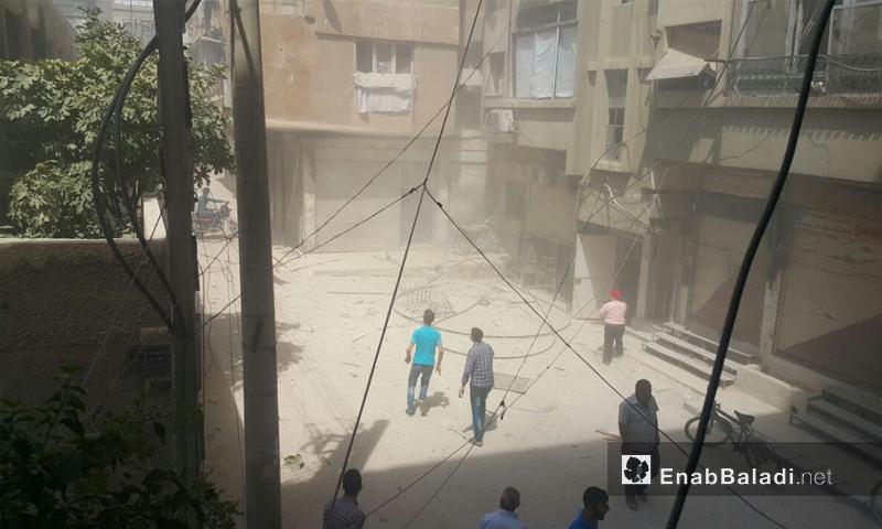 تعبيرية.. آثار قصف قوات الأسد على مديننة دوما في الغوطة الشرقية - 19 آب 2017 - (عنب بلدي)