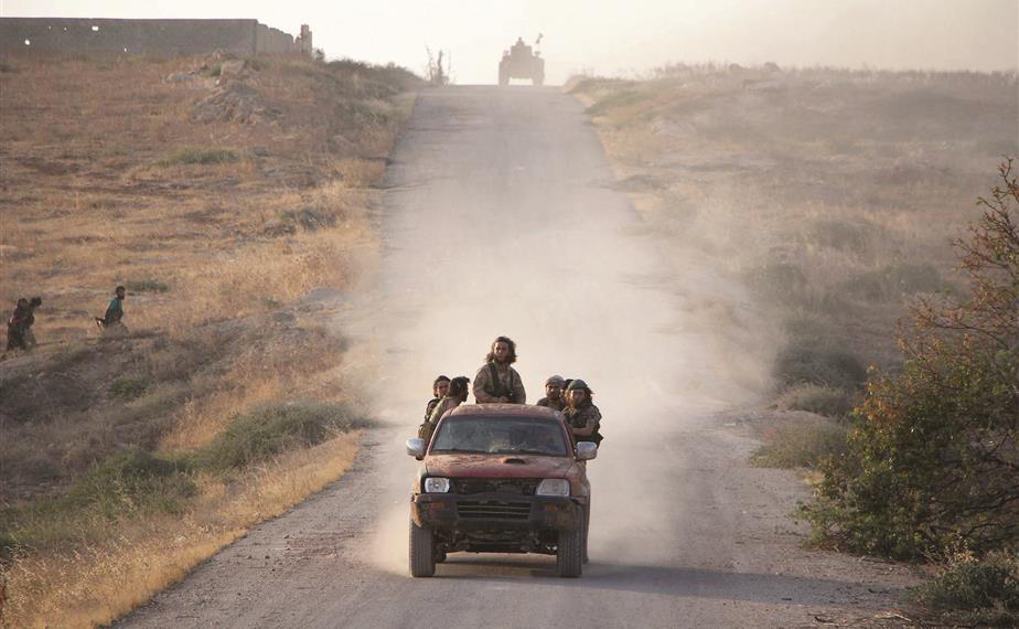 """مقاتلو """"جند الأقصى"""" في معركة حماة(انترنت)"""
