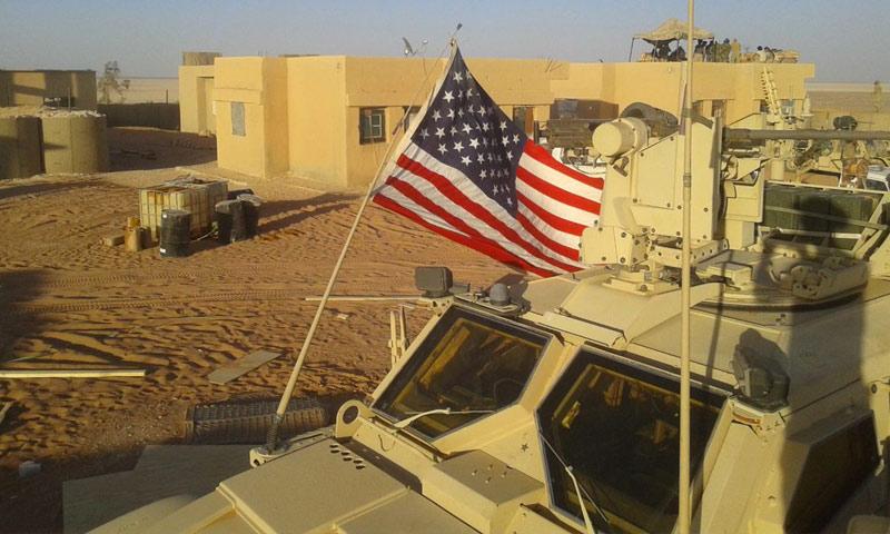 عربة أمريكية داخل قاعدة الزكف في البادية السورية (أخبار عدالة حمورابي)
