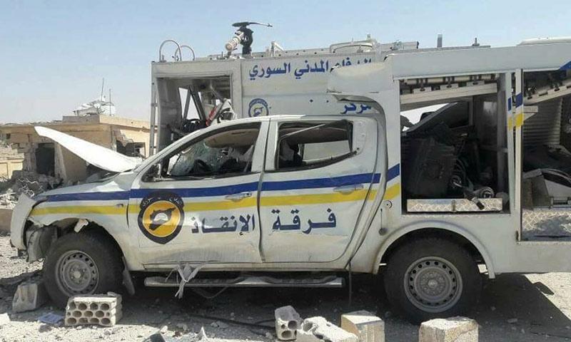 سيارة للدفاع المدني تعرضت للقصف بريف إدلب - 19 أيلول 2107 (ناشطون)