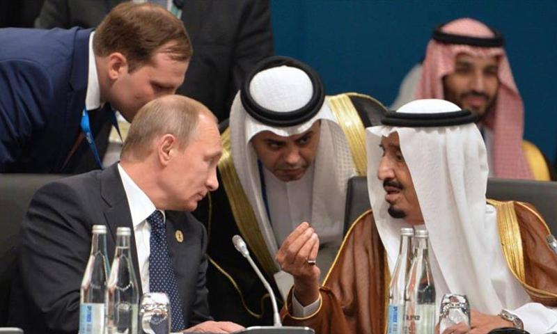 الملك السعودي سلمان بن عبد العزيز والرئيس الروسي فلاديمير بوتين في قمة العشرين باستراليا - 15 تشرين الثاني 2014 (انترنت)
