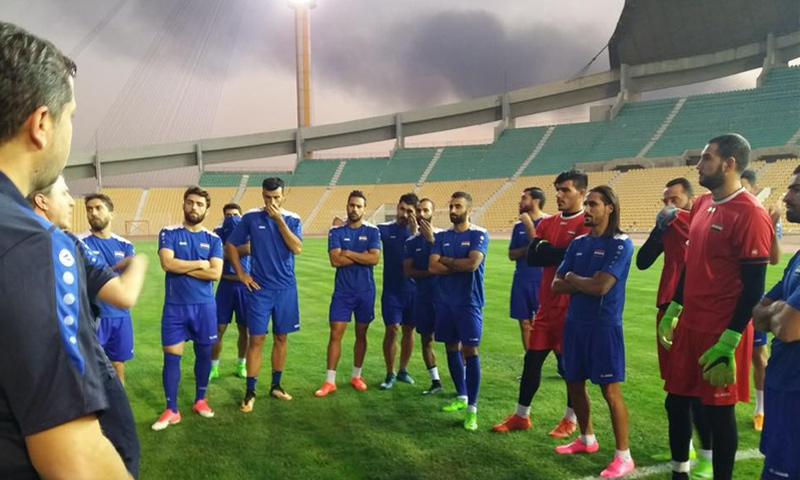 المنتخب السوري خلال تدريباته استعدادًا للقاء منتخب إيران - 2 أيلول 2017 (صفحات رياضية في فيس بوك)