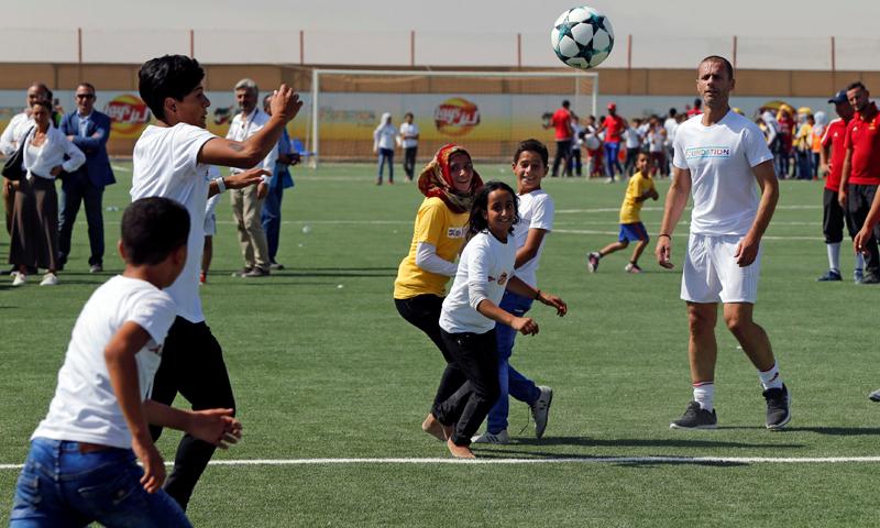ملعب للاجئين السوريين في الزعتري - (انترنت)