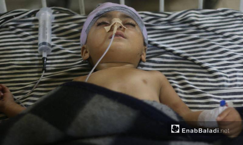 طفل سوري في مشفى بمدينة دوما المحاصرة بريف دمشق - تشرين الأول 2015 (عنب بلدي)