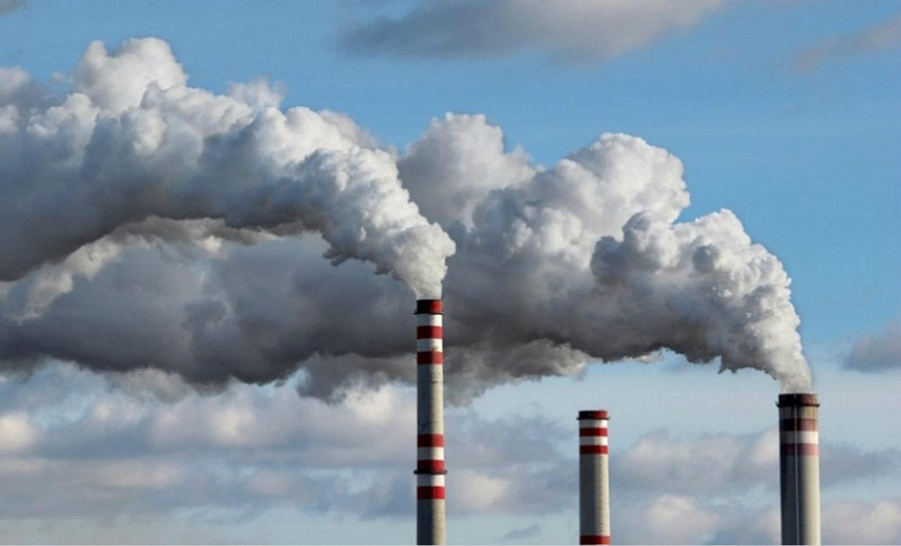 انبعاثات ثاني أكسيد الكربون من أحد المصانع (انترنت)
