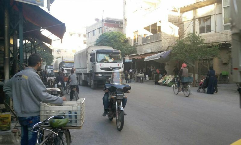 قافلة المساعداتبعد دخولها الغوطة الشرقية - 30 تشرين الأول 2017 - (فيس بوك)قافلة المساعداتبعد دخولها الغوطة الشرقية - 30 تشرين الأول 2017 - (فيس بوك)