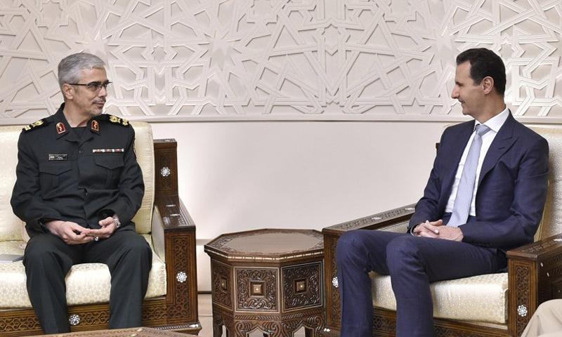 رئيس النظام السوري بشار الأسد يلتقي رئيس هيئة الأركان الإيرانية اللواء محمد باقري في دشمق 2017 (رئاسة الجمهورية)
