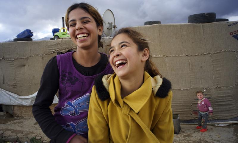 طفلتان لاجئتان مع عائلتيهما من سوريا إلى لبنان (يونيسيف)