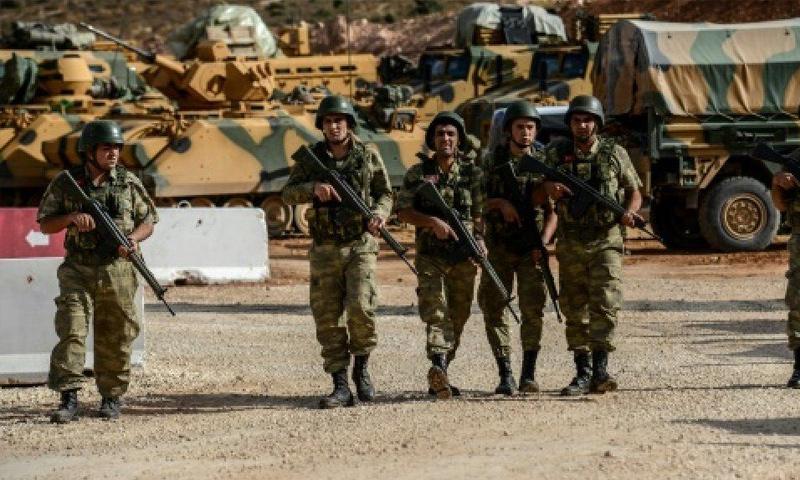 عناصر من الجيش التركي على الحدود السورية- التركية - (انترنت)