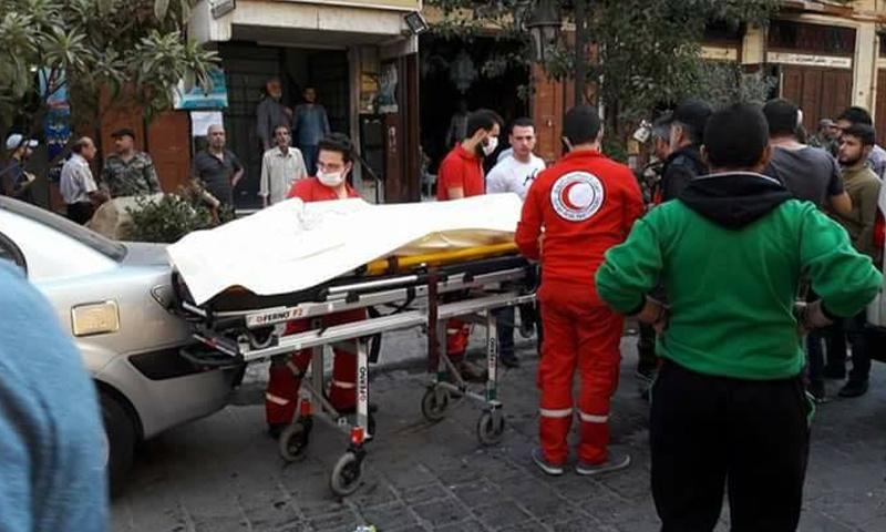 الهلال الأحمر ينقل ضحايا قصف الهاون في دمشق القديمة - 14 تشرين الأول 2017 (هاشتاغ سيريا)
