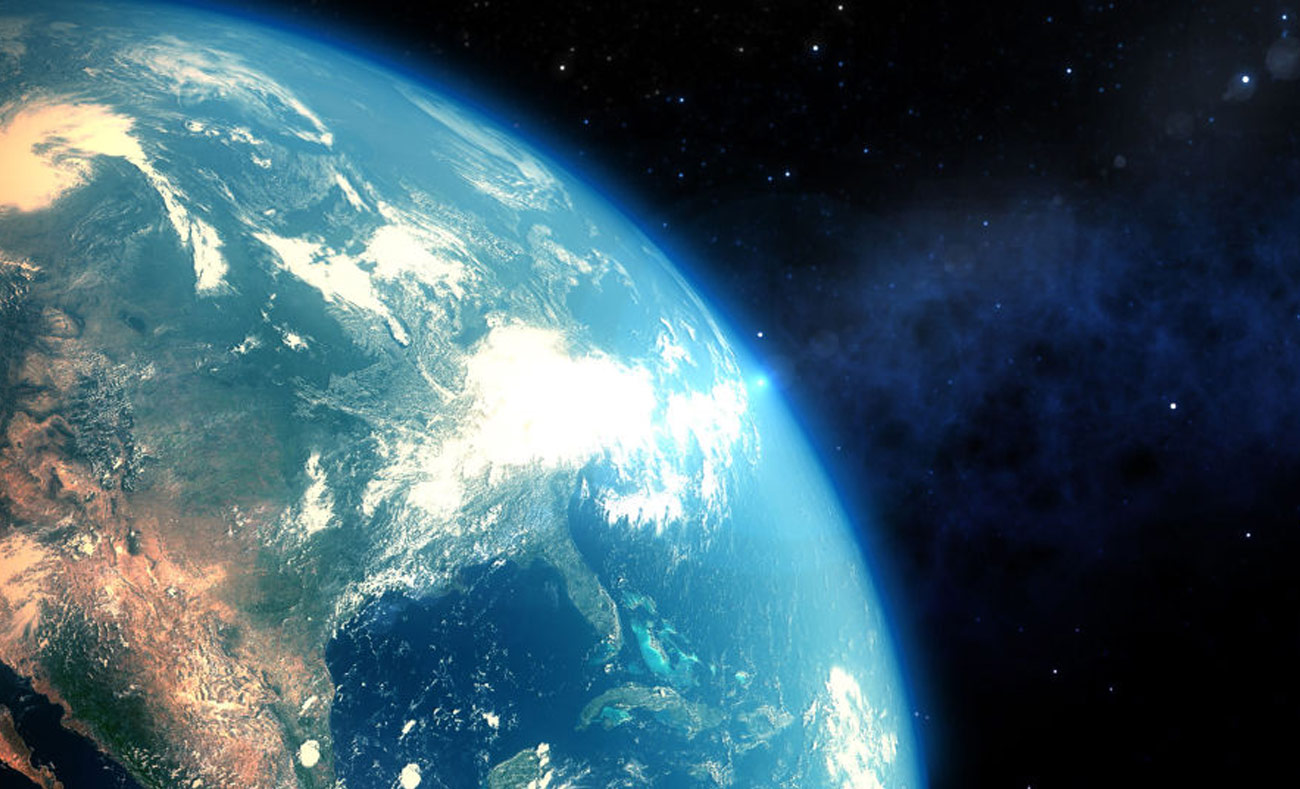 مشهد كوكب الأرض من الفضاء الخارجي (انترنت)